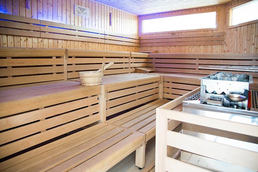 sauna und wellnessbereich aktiv relax wolfratshausen. Black Bedroom Furniture Sets. Home Design Ideas